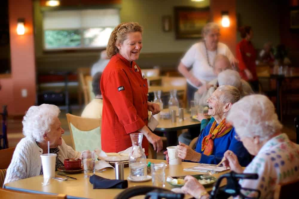 assisted living dining services